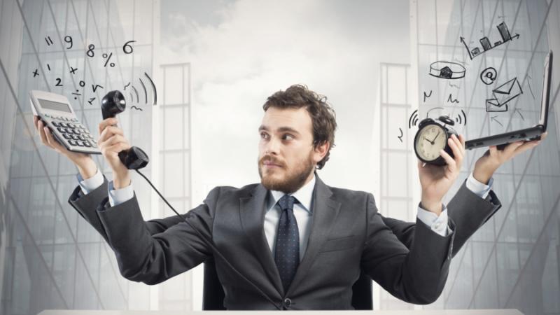 Должность одна, а обязанности разные: как оплачивать работу?