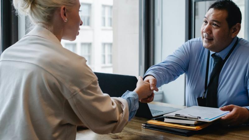 Должен ли главбух коммерческой организации соответствовать профстандарту?